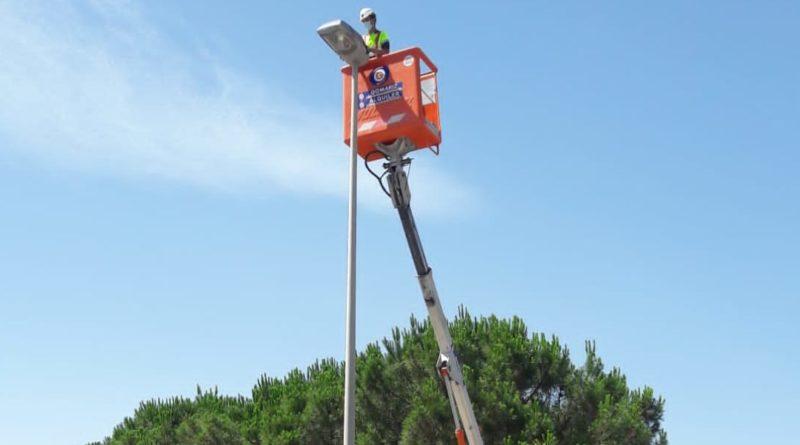 Sustitución de luminarias Led en las áreas empresariales